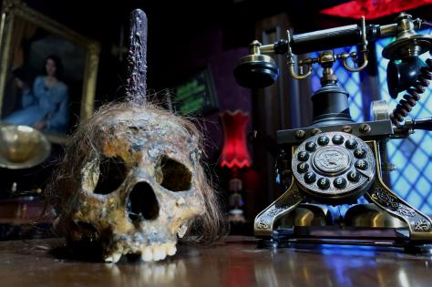 Skull-&-Phone.png